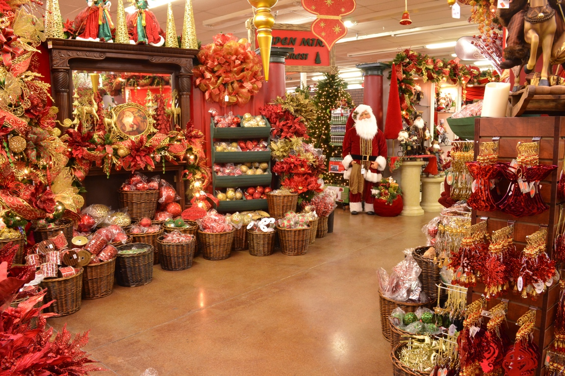 A christmas wonderland decorators warehouse - Garden decor stores ...