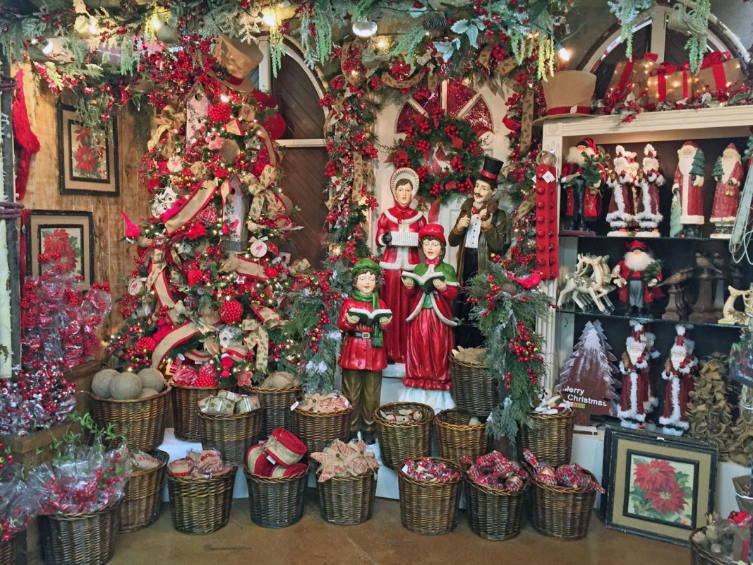 Decorators Warehouse – Texas' Largest Christmas Store