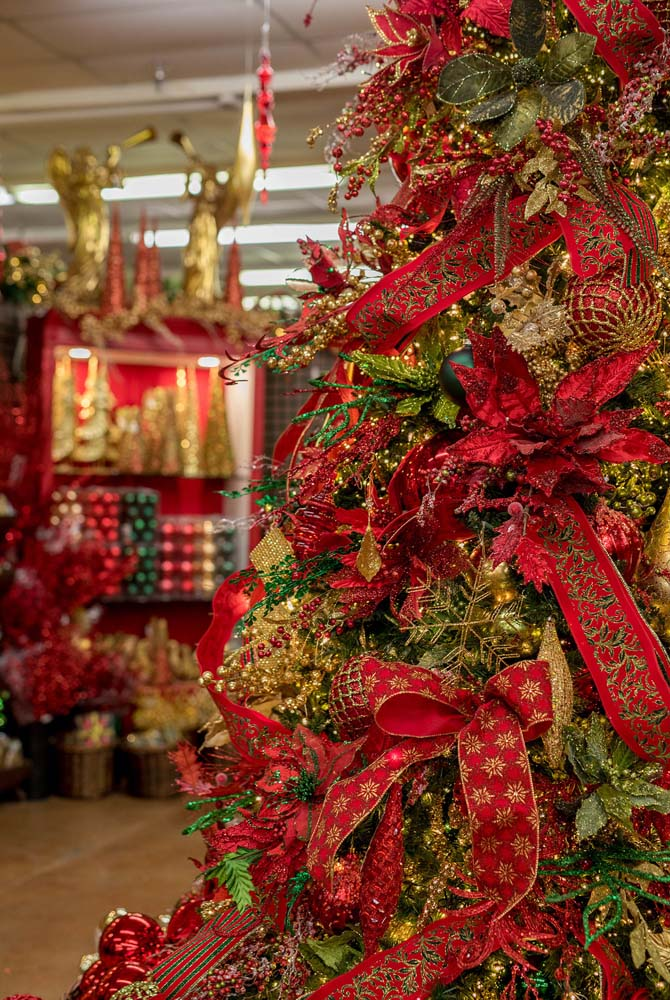 We Have The Largest Selection Of Christmas Decorations In Texas