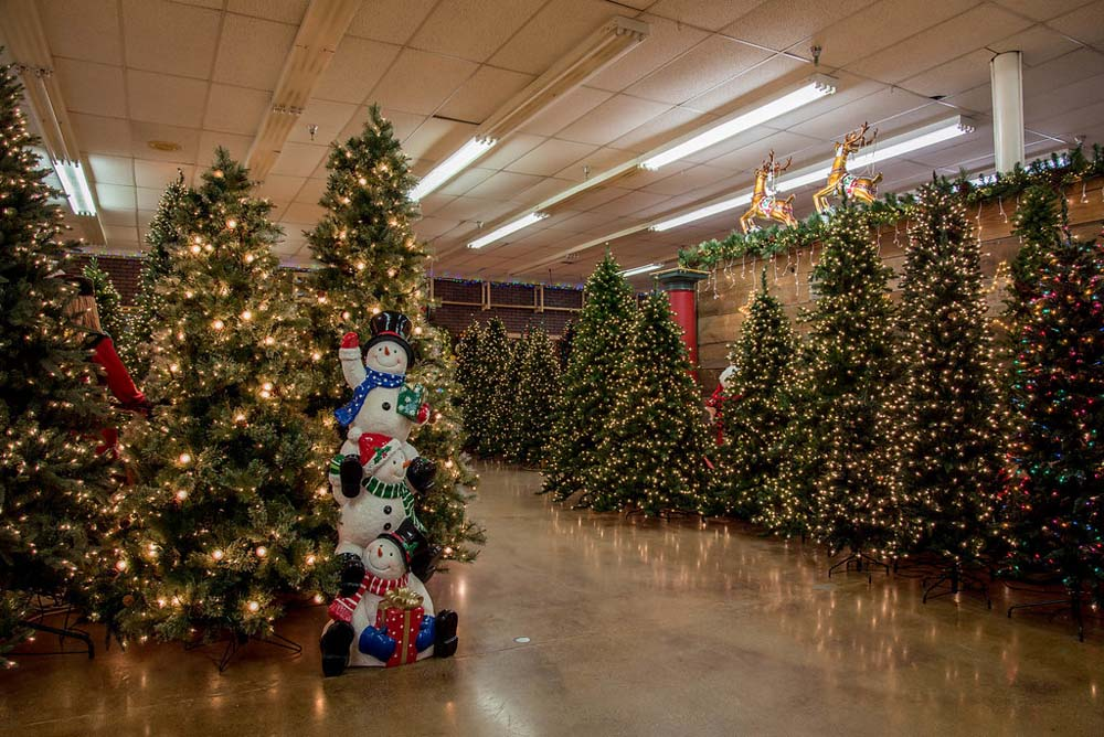 Decorators Warehouse – Texas\' Largest Christmas Store